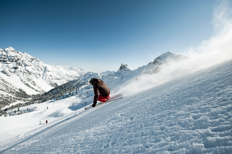 Schlick2000_AndreSchoenherr_Skiing_01